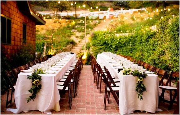 Bianca 39 s blog from tracy i wanted the wedding to be small for Garden wedding table settings