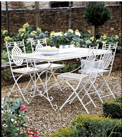 French gardens and picnics - French style gardens ...