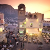 romantic vacation recommend: isle of capri, italy