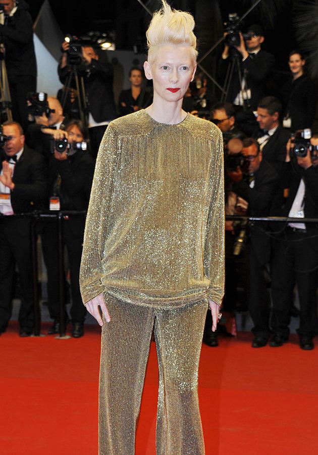 11dd6114-7e1c-497b-b917-c2bffceb567b_Tilda-Swinton-Cannes-2013-wardrobe-malfunction-red-carpet
