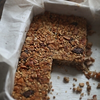 healthy snack: vacation inspired granola bar recipe