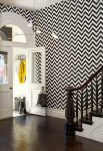 DRAMATIC ENTRY_CHEVERON PATTERN WALL_INTERIOR DESIGN BLOG
