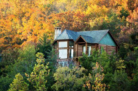 1443112658-1442862269-cabin-getaway-lodge-mo-1015-1