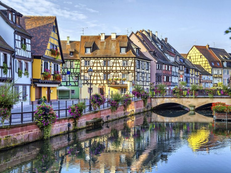 5653456c96771ce632e46bf7_colmar-alsace-france-cr-getty