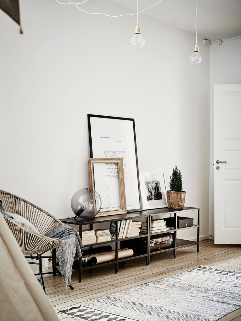 Oracle-Fox-Sunday-Sanctuary-Detail-Oriented-Black-and-white-Scandinavian-Interior-10