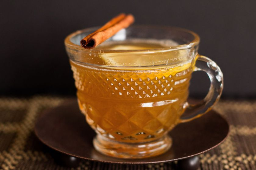 gallery-1479865657-winter-survival-guide-hot-toddy