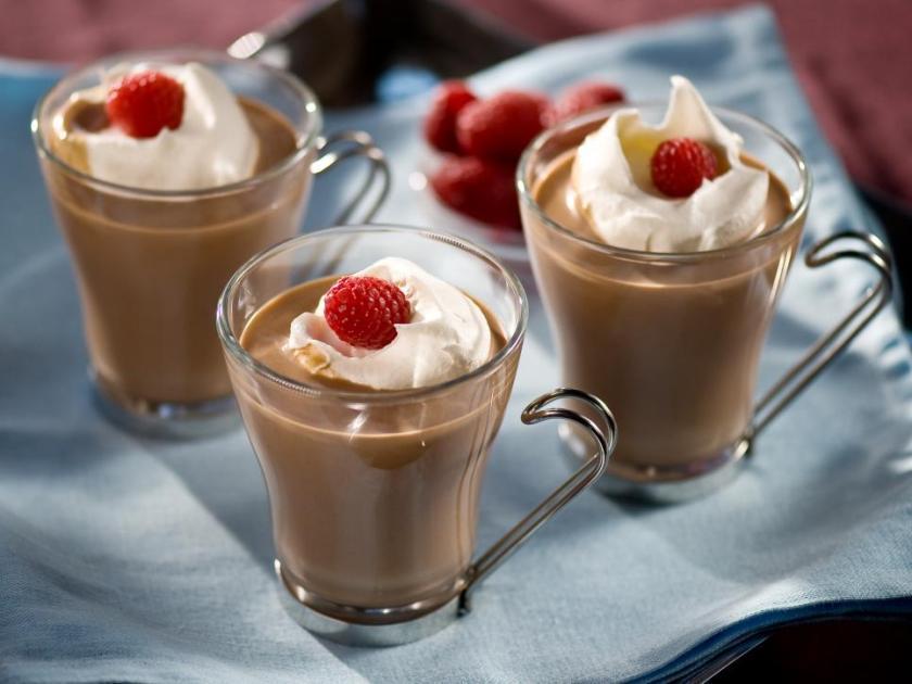 original_fine-living-cocktails-cocoa-raspberry-heaven_s4x3-jpg-rend-hgtvcom-966-725