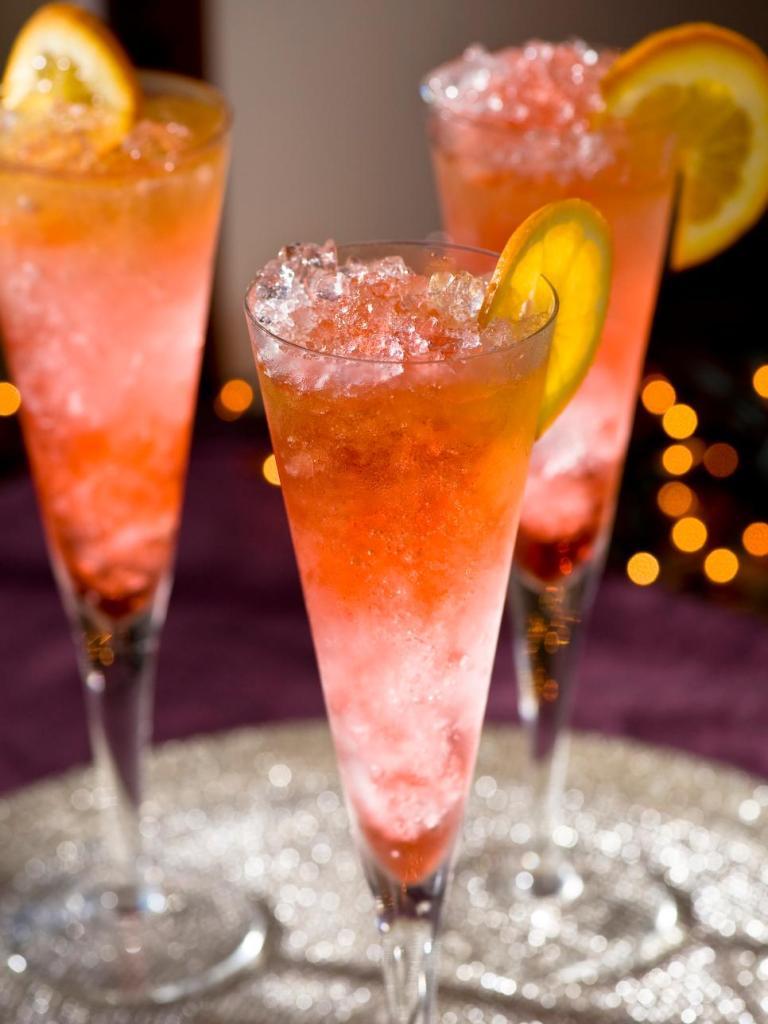 original_fine-living-cocktails-liam-midnight-toast_s3x4-jpg-rend-hgtvcom-966-1288