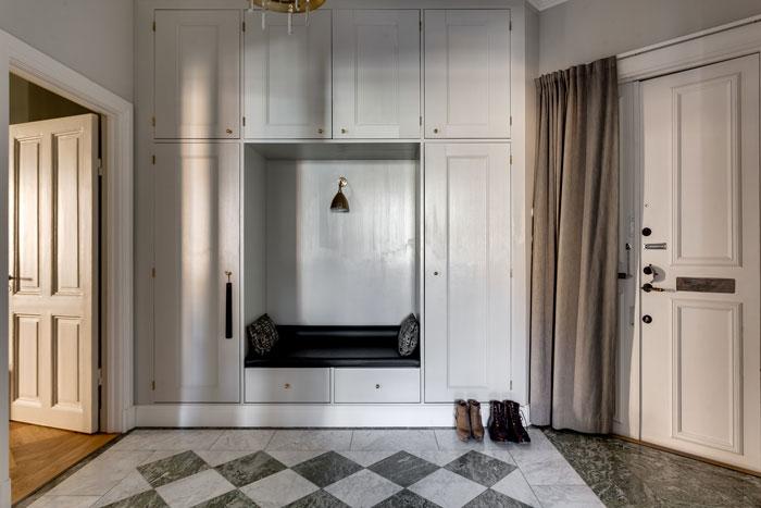 elegant-swedish-apartment-filled-with-design-classics-12