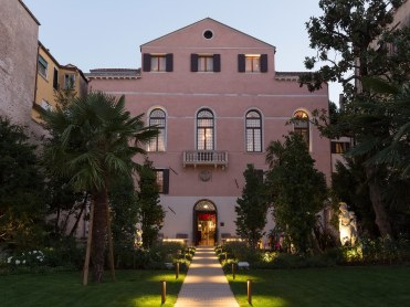 Exterior2-PalazzoVenart-VeniceItaly-CRHotel