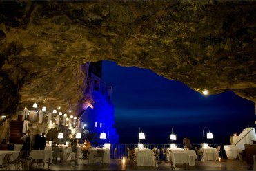 romantic-restaurant-grotto