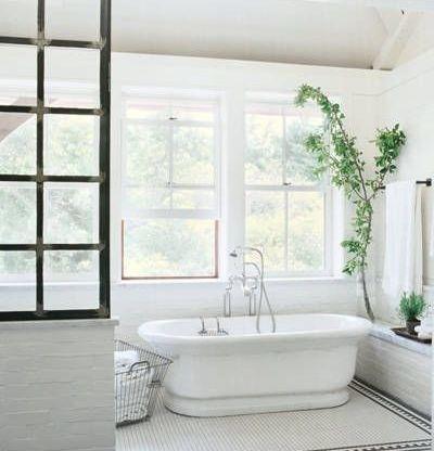 54c90f0342403_-_meg-ryan-house-bathroom-1-lgn