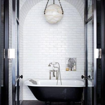 black-and-white-bathroom-2