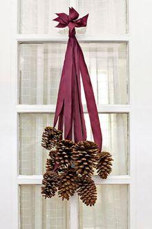 gallery-1509479212-54ea5143bdc8a-thanksgiving-wreath-party-1109-kkkpjh-de
