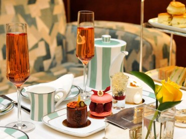 Claridge afternoon tea is added to my London trip in 2018