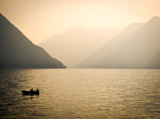 lake-como-boat-GettyImages-148906560