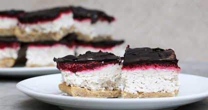 9-Keto-Desserts-Thatll-Satisfy-Your-Sweet-Tooth_chocolate-raspberry