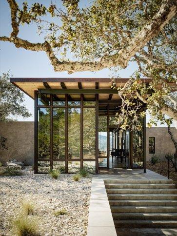 a-cantilevered-roof-mitigates-solar-heat-gain