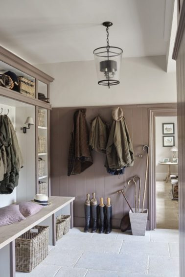 06-A-16th-Century-Family-Manor-in-the-Cotswolds-by-Sims-Hilditch-This-Is-Glamorous-e1534878055590