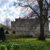 Decor: Cotswold Family Manor