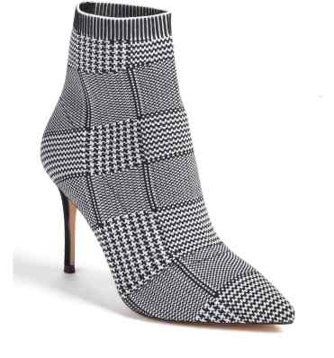Yes I would - in white black or checkered from Something Navy - but hurry