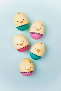 easter-egg-decorating-ideas-diy-baby-chicks-1584028447